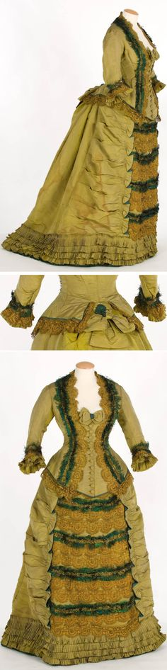 Dinner or evening dress ca. Pistachio green ribbed silk trrimmed with lace, small peacock feathers, and pleated ruffles at hem. Boned bodice lined with natural-colored silk taffeta. Victorian Era Fashion, 1870s Fashion, Victorian Gown, Victorian Costume, Vintage Fashion, Old Dresses, Vintage Dresses, Vintage Outfits, Charles Frederick Worth