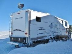 Winter RVing - Cold weather #RVing is tough but many hardy, ingenious folks find ways to do it anyway.