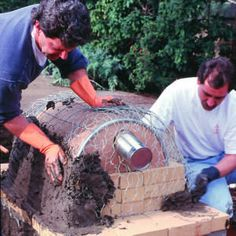 Weekend project: Sunset's classic adobe oven – Build an Outside Oven – Sunset Mobile Oven Diy, Diy Pizza Oven, Pizza Oven Outdoor, Outdoor Cooking, Pizza Ovens, Outdoor Kitchens, Outdoor Rooms, Outdoor Living, Wood Oven