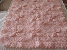 COUVERTURE bébé en laine fait main, rose pâle, berceau, : Puériculture par 100-reves-de-douceur