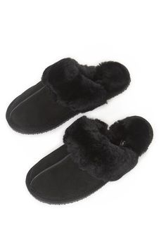 Snuggle your feet into blissfully comfortable 'Classic' Black Sheepskin Slippers. Created from an ultra-soft sheepskin and features a light. Sheepskin Slippers, Black Fabric, Shop Now, Classic, Cozy, London, Shopping, Clothing, Fashion