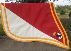 I made this saddle pad for the US Calvary out of CA. This one is for one off their Captains.