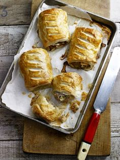 Pork and Apple Sausage Rolls - Jamie Oliver Vegan Sausage Rolls, Apple Sausage, Apple Recipes, Pork Recipes, Cooking Recipes, Recipies, Healthy Recipes, Mince Recipes, Cooking Pork