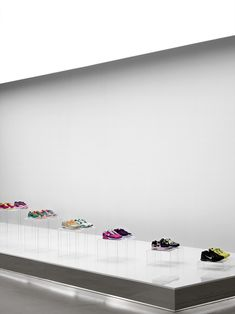 Nike pop up showroom by Maggie Peng & Albert Tien, Beijing store design