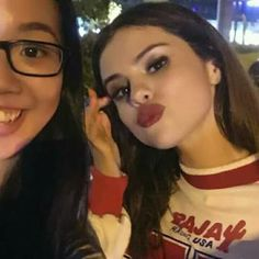 that lipstick that lipstick Selena Gomez The Weeknd, Selena Gomez Music, Selena Gomez Photoshoot, Selena And Taylor, Selena Gomez Outfits, Selena Gomez Style, Latin Women, Marie Gomez, Queen