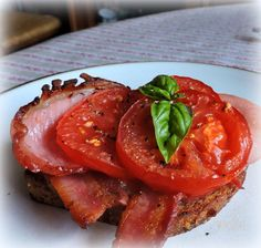 Bacon, Tomato