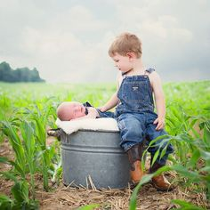 6 Cute Ways to Incorporate Ag into Newborn Photos — Arable Newborn Sibling, Newborn Baby Photos, Baby Boy Photos, Newborn Shoot, Newborn Pictures, Country Baby Photos, Kid Photos, Toddler Boy Pictures, Big Brother Pictures