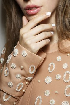 White nail polish as a trend for Spring 2015 from the Osman show in Milan Bead Embroidery Tutorial, Bead Embroidery Patterns, Embroidery Suits Design, Couture Embroidery, Embroidery Fashion, Hand Embroidery Designs, Beaded Embroidery, Couture Embellishment, Zardosi Embroidery