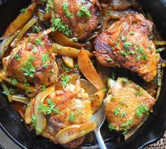Skillet chicken thighs with pears and onions