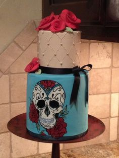 Day of dead cake- Well I finally made my sugar skull cake! Hand painted fondant, sugar pearls and rolled fondant roses. Lots of fun to do Gorgeous Cakes, Amazing Cakes, Sugar Skull Cakes, Sugar Skulls, Birthday Cakes For Women, Birthday Ideas, Rolling Fondant, Fondant Rose, Pastry And Bakery