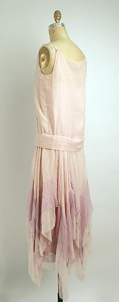 Evening dress (image 2 - back) | Attributed to Callot Soeurs | French | 1927 | silk | Metropolitan Museum of Art | Accession Number: 1984.33