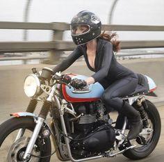 944eb721f0ae5 Café Racer Pour Fille, Moto Pour Fille, Combinaison Cuir Moto, Bottes Moto