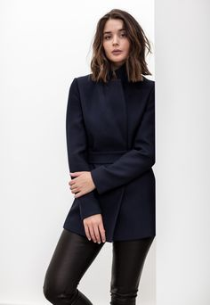 harper-and-harley_sara-donaldson_reiss_navy-jacket. Medium Hair Styles, Short Hair Styles, Black Leather Pants, Look Chic, Hair Dos, New Hair, Navy Jacket, Navy Pants, Suit Jacket