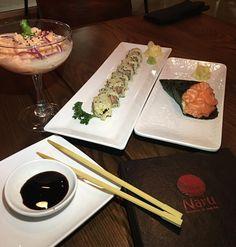 Jantar com boy magya no melhor japa de Orlando @naruidrive360 e estamos os dois juntos fazendo a façanha de me comer. Digo comer eu mesma. Digo comer as comidas do meu menu que tenho aqui com meu nome. Ah vocês entenderam né?! #pervertidos Hahaha #sushicomarrozintegralequinoa #saudavel #delicia #naruorlando  ______________________  Dinning with Bae tonight at the best sushi place in Orlando @naruidrive360 and we are both eating myself up. I mean eating the food that has my name in it. I mean…