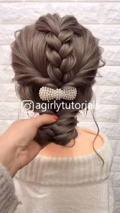 Visit to get around hairstyle tips nail art and a variety of needs for a healthy body Hairstyle Haircare Nailart naildesign Easy Hairstyles For Long Hair, Girl Hairstyles, Hairdos For Work, Cute Bun Hairstyles, Easy Updos For Medium Hair, Fishtail Braid Hairstyles, Braided Updo, Hairstyle Ideas, Medium Hair Styles