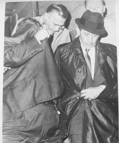 Real Gangster, Mafia Gangster, Frank Sinatra Mugshot, Carlo Gambino, Mafia Crime, Rwby Oc, Life Of Crime, Old Images, Mug Shots