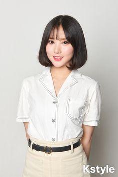 Photo album containing 32 pictures of GFRIEND Kpop Girl Groups, Kpop Girls, Asian Woman, Asian Girl, Short Hair Outfits, Jung Eun Bi, Korean Girl Fashion, Uzzlang Girl, G Friend