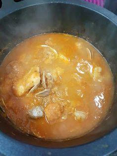 Cocina Basica y Fresca: MERLUZA EN SALSA CON ALMEJAS Y GAMBAS CBF@ Cheeseburger Chowder, Thai Red Curry, Soup, Ethnic Recipes, Blog, Home, One Pot Dinners, Healthy Recipes, Cooking Recipes