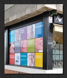 consultorios odontologicos colores - Pesquisa Google Dental Logo, Dental Art, Salon Reception Desk, Reception Design, Dental Office Design, Office Interior Design, Door Signage, Dental World, Dental Posters
