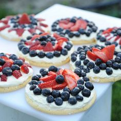 Red, White and Blueberry Cookie Tarts – An Easy Festive Dessert for Your Patriotic Fourth of July Feast | Apron Strings   pizza frosting