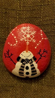 54 easy diy christmas painted rock ideas (27)
