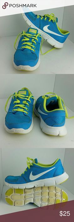 NIKE FLEX EXPERIENCE RN WOMEN SHOES IN GOOD CONDITION   SKE # TU NIKE Shoes Athletic Shoes