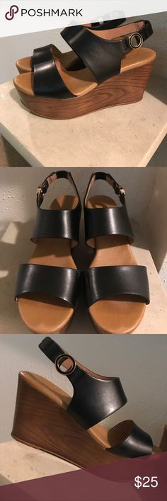 Chunky Aldo Wedges Adorable chunky wedged sandal! Perfect for the summer to fall transition. Aldo Shoes Heels