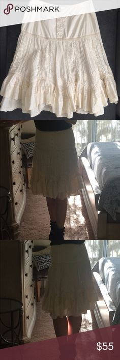Banana Republic tiered ruffled boho skirt Boho romantic ivory lace skirt from Banana Republic, 5 bottoms in the front, 14.5 waist, 18.5 hips, 24.5 length. Very good condition. Banana Republic Skirts A-Line or Full