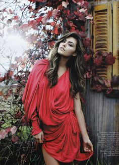 Phoebe Tonkin - added to the list of girl crushes