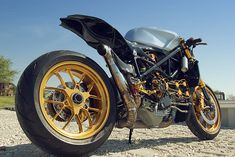 How do you improve on perfection? Most custom motorcycles address the shortcomings of a stock bike—be they aesthetic, propulsive or dynamic. But the Ducati 1098 scores pretty highly in all those departments. This custom 'café fighter' is owned by Alonzo Bodden, who used the original… Read more »
