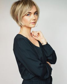Bob Hairstyles For Thick, Bob Haircuts For Women, Great Hairstyles, Hairstyle Ideas, Sassy Hair, Edgy Hair, Short Grey Hair, Short Hair Cuts, Medium Hair Styles