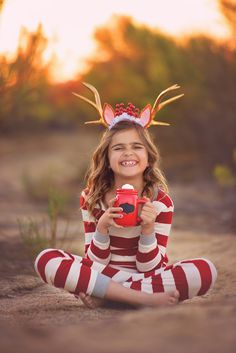 Sophie Crew Photography shares her family Christmas photos. Christmas Photography Kids, Christmas Portraits, Children Photography, Photography Ideas, Christmas Photos, Kids Christmas, Merry Christmas, Holiday Photos, Toddler Photoshoot Girl