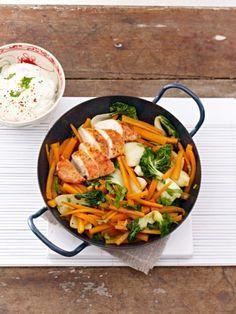 kohlenhydratarmes abendessen tandoori huhn im wok (Healthy Baking Vegetables) Low Carb Lunch, Low Carb Keto, Low Carb Recipes, Cooking Recipes, Healthy Recipes, Wok, Pollo Tandoori, Tandoori Chicken, Clean Eating