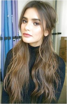 Simply the Best Hair Shades for Brunettes Hair Color Dark, Brown Hair Colors, Cool Hair Color, Dark Hair, Short Brunette Hair, Brunette Color, Shoulder Length Hairdos, Brunette With Lowlights, Cute Hairstyles