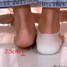 """😍Invisible Height Increased Insoles😍Must Need It!Get Yours Here >> - >""""> Informationen zu 😍Invisible Height Increased Insoles😍Must Need It! Shoes Too Big, Cool Inventions, Useful Life Hacks, Feet Care, Cool Things To Buy, Stuff To Buy, Beauty Hacks, Cool Stuff, Womens Fashion"""