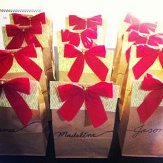 Christmas party favor bags. Photo by hyunjoooookim #Christmas #thanksgiving #Holiday #quote