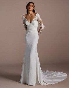 Fitted wedding dress - This beautiful gown is a homage to the female figure Sleek and figure hugging with lace long sleeves RaffaeleCiuca LaSposa WeddingDress Bride Sleek Wedding Dress, Fit And Flare Wedding Dress, Long Wedding Dresses, Perfect Wedding Dress, Bridal Dresses, Lace Wedding, Wedding Dresses Tight Fitted, Elegant Wedding, Wedding Gowns