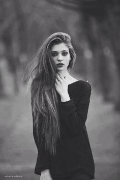grunge fashion/ black and white photography / amazing hair / eye make up