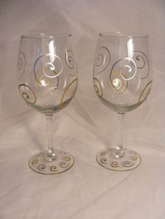 painted Christmas wine glasses with gold and by DelightfulFinds