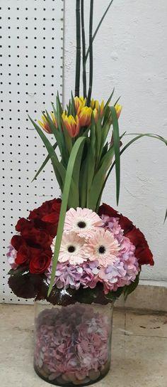 Tulipanes, gerberas, rosas y hortensias
