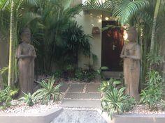 Bali Villa entrance garden