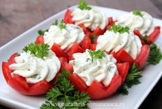 Tomatoes stuffed with cheese Crudite, Good Food, Yummy Food, Romanian Food, Cooking Recipes, Healthy Recipes, Fruit Snacks, Food Humor, Culinary Arts