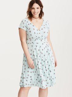 Plus Size Bird Print Surplice Skater Dress, Modest Dresses, Plus Size Dresses, Plus Size Outfits, Skater Dresses, Unique Dresses, Pretty Outfits, Chic Outfits, Spring Outfits, Pretty Clothes