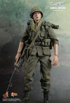 Hot Toys : Platoon - Chris Taylor 1/6th scale Collectible Figure