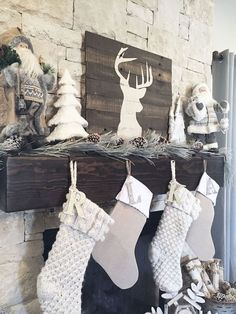Awesome 60 Fun and Festive Way to Decorate Your Home for Christmas https://insidecorate.com/60-fun-festive-way-decorate-home-christmas/