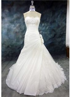 Delicate Strapless A-Line Floor-length Wedding Dress  amazing Wedding Dresses