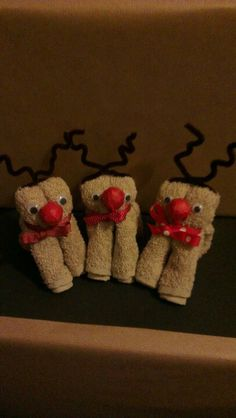Wash cloth Reindeer. The Prezzie Cake More
