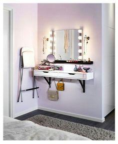 Vanity / Dressing Station