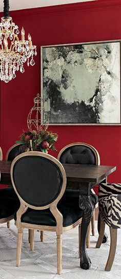 Dramatic color in the dining room