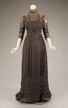 Edwardian Clothing, Edwardian Dress, Antique Clothing, Historical Clothing, Edwardian Era, Victorian Dresses, Victorian Gothic, Gothic Lolita, Vintage Outfits